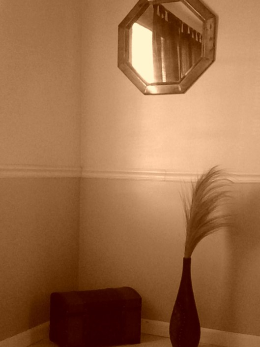 b&w room